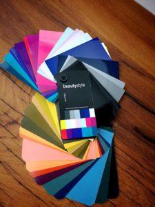 aufgefächerte Farbpaletten