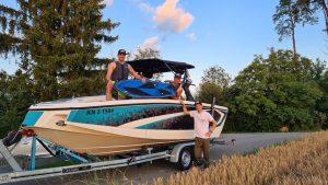 die drei Gründer auf Ihrem Boot